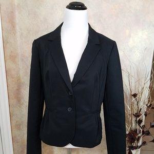 Elle two-button pleated blazer